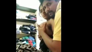தங்கை தோழியுடன் தமிழ் MMS பூல் ஊம்பல்